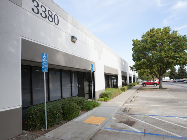 Commerce park west 3