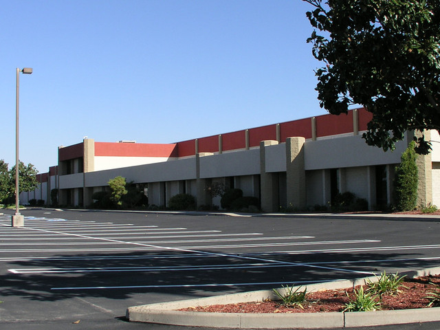 Mariposa industrial center 1